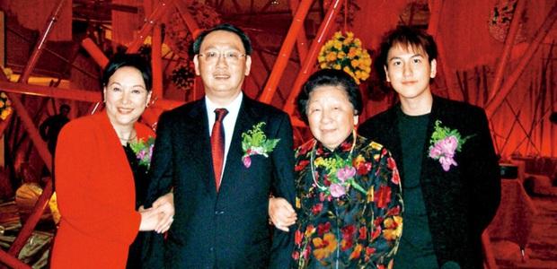 Chuyện về 3 chàng tỷ phú điển trai xứ Trung: Người là kỳ phùng địch thủ của Vương Tư Thông, người chưa từng dính dáng đến phụ nữ - Ảnh 7.