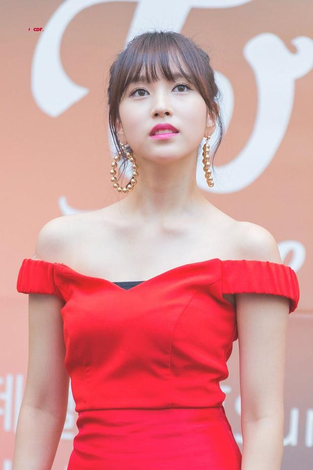 Idol Hàn nhảy nhót tưng bừng mà không lộ hàng là nhờ chiêu chọn nội y cực tinh tế - Ảnh 4.