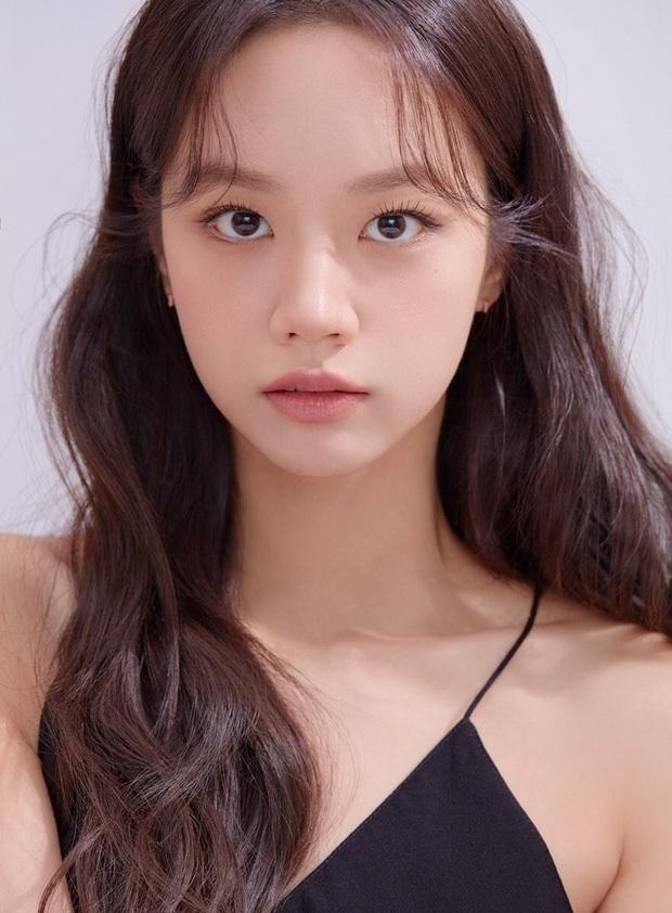 Hyeri làm cameo ở Record of Youth của Park Bo Gum, fan dài cổ ngóng cặp đôi lẫy lừng Reply 1988 tái hợp - Ảnh 1.