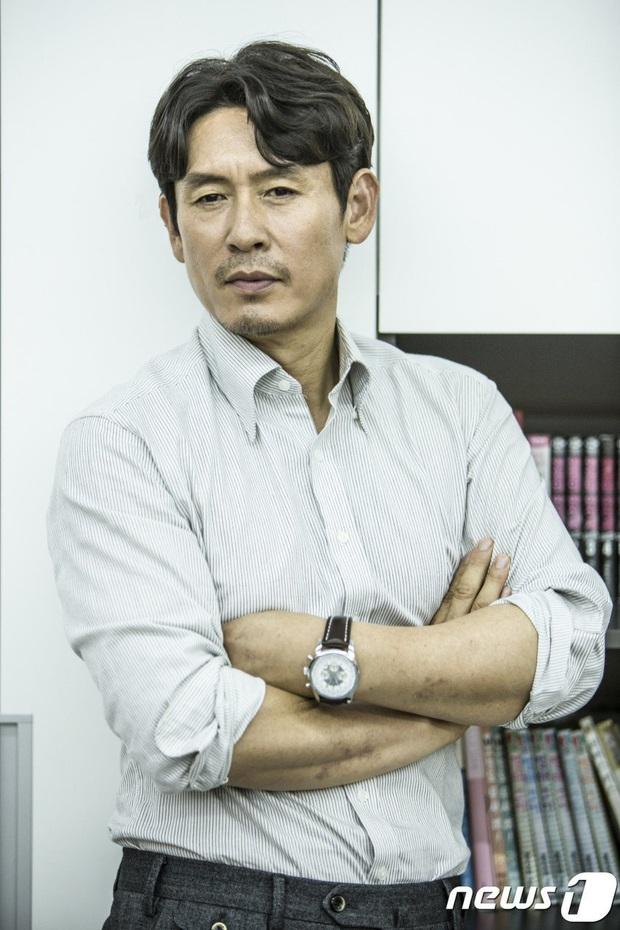 Chưa kịp xuất ngũ, D.O. (EXO) đã chốt đơn du hành lên mặt trăng ở dự án của đạo diễn Thử Thách Thần Chết - Ảnh 7.