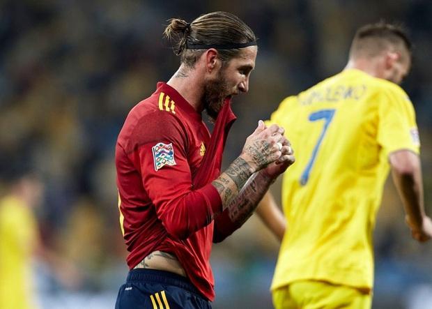 Tuyển Tây Ban Nha thua sốc Ukraine - Ảnh 3.