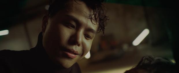 Sau 7 năm trở lại màn ảnh rộng, Hoàng Thùy Linh làm nghi can số 1 ở vụ giết người rúng động chung cư Trái Tim Quái Vật  - Ảnh 8.