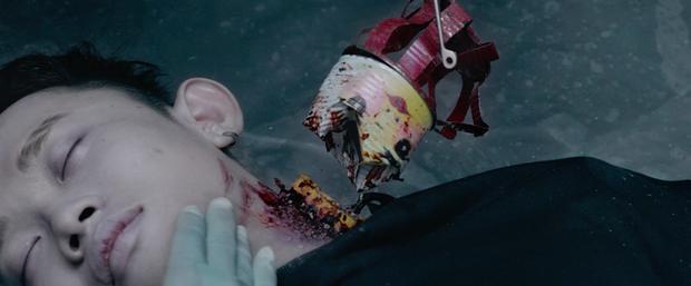 Sau 7 năm trở lại màn ảnh rộng, Hoàng Thùy Linh làm nghi can số 1 ở vụ giết người rúng động chung cư Trái Tim Quái Vật  - Ảnh 2.
