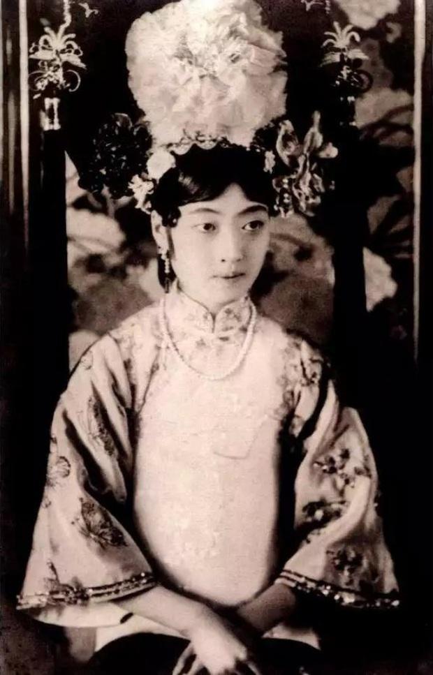 Hoàng hậu cuối cùng trong lịch sử phong kiến Trung Quốc: Xuất thân danh giá, tài sắc vẹn toàn nhưng phải sống một đời cô quạnh - Ảnh 1.