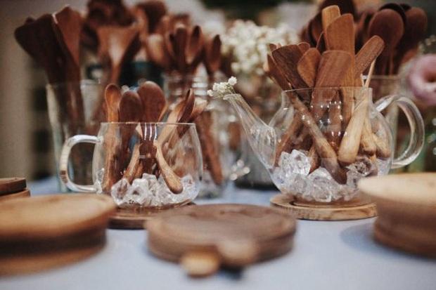 Hô biến căn bếp chuẩn vintage với loạt đồ dùng bằng gỗ cực xinh, nhìn cái là muốn rinh ngay về nhà - Ảnh 4.