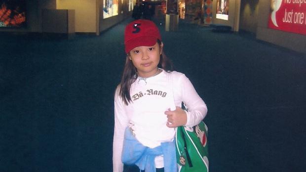 Style của BLACKPINK thời em bé: Jennie có gu nhất nhóm, Rosé điệu ra trò nhưng lạ nhất là tóc dài của Lisa - Ảnh 4.