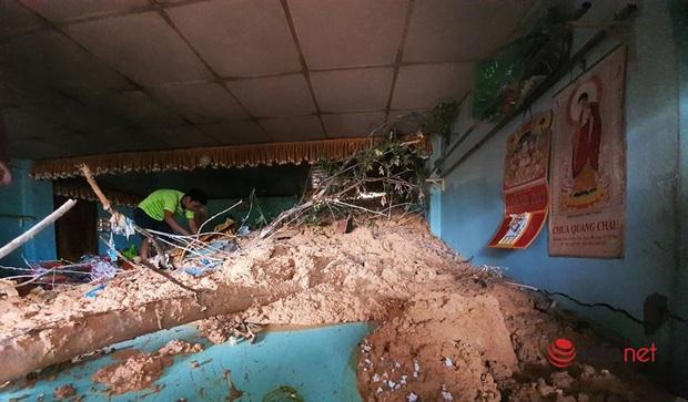 Quảng Nam: Xót xa những ngôi nhà tan hoang, đổ nát do sạt lở - Ảnh 11.