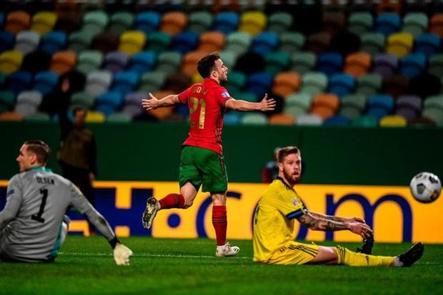 Xa Ronaldo không là bão tố: Bồ Đào Nha thắng đậm Thụy Điển trong ngày thiếu vắng ngôi sao số 1 - Ảnh 5.