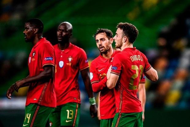 Xa Ronaldo không là bão tố: Bồ Đào Nha thắng đậm Thụy Điển trong ngày thiếu vắng ngôi sao số 1 - Ảnh 9.