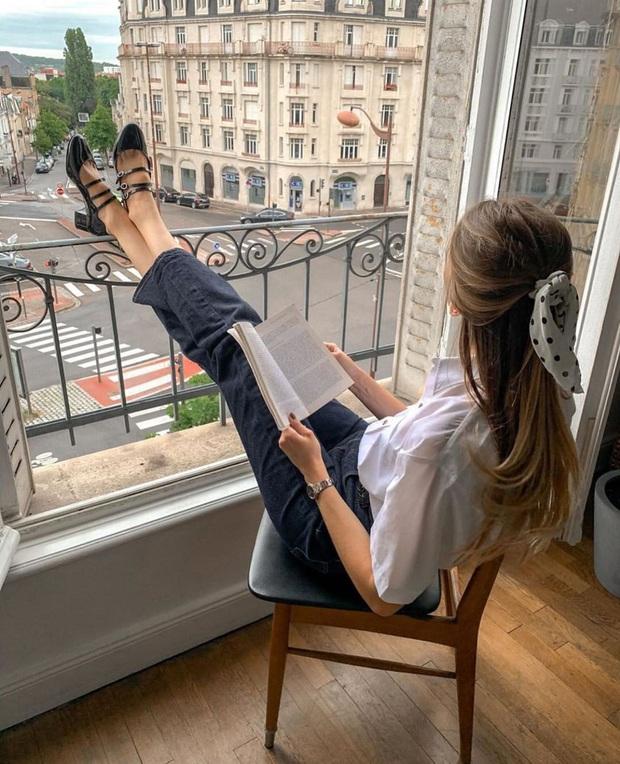 Để có style mùa lạnh thanh lịch như quý cô Paris, bạn chỉ cần có trong tay 6 món đồ - Ảnh 9.