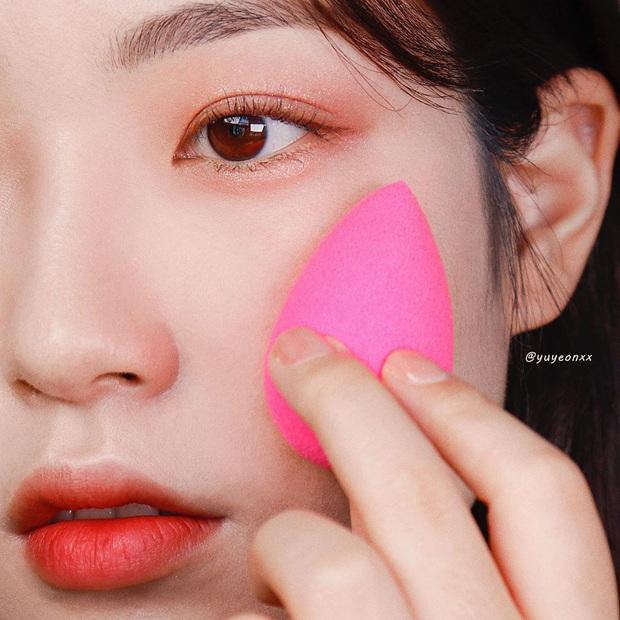 Để da không bị sần mốc khi makeup mùa lạnh, chị em nên học 5 chiêu của gái Hàn - Ảnh 5.