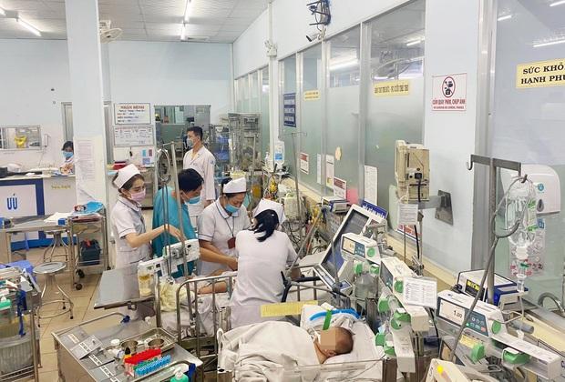Trưởng khoa Cấp cứu BV Nhi đồng 1 kể lại việc bé gái 5 tuổi tử vong sau khi học theo trò thắt cổ trên YouTube - Ảnh 2.