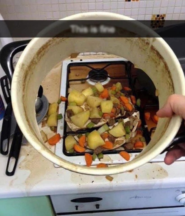 """Những hình ảnh chứng minh con người đang """"tuyên chiến"""" với bếp núc sau nhiều lần bị từ chối hợp tác - Ảnh 3."""