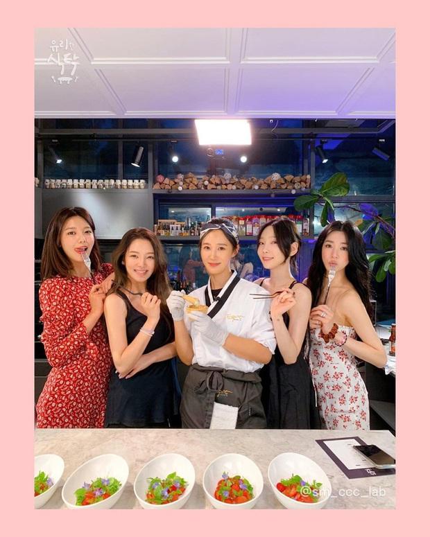 """Có 1 nữ idol nhà SM từng bị cả nhóm chê bai trên sóng truyền hình vì nấu ăn dở mà sau 10 năm đã """"phục thù"""", tay nghề đỉnh như đầu bếp! - Ảnh 3."""