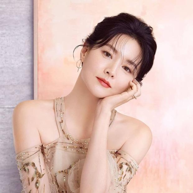 Bác sĩ thẩm mỹ chọn ra mỹ nhân Hàn đẹp nhất thập niên 1990: Jeon Ji Hyun huyền thoại nhưng vẫn thua đẹp vì Lee Young Ae! - Ảnh 5.