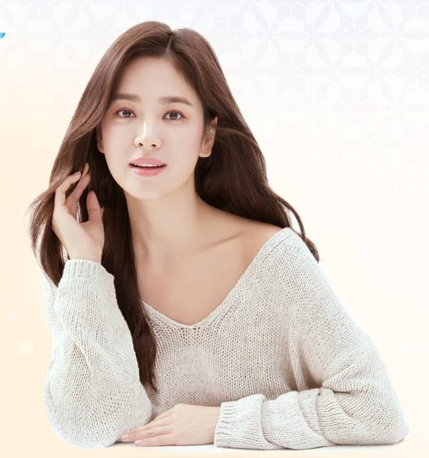 Song Hye Kyo diện áo len Zara mà sang nức nở, sắm về 1 em tương tự là bạn có style Thu chuẩn đẹp - Ảnh 1.