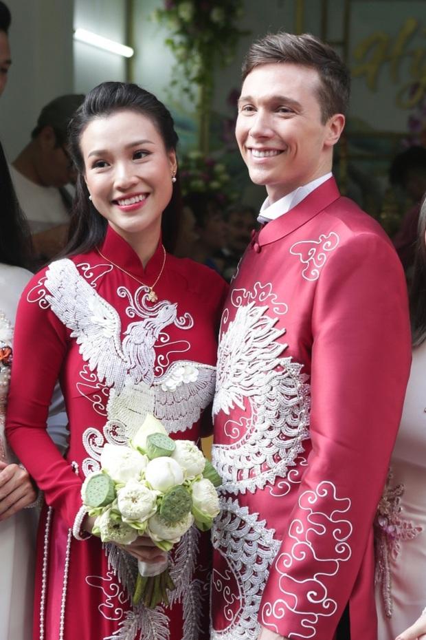 Đăng ảnh cùng chồng Tây, MC Hoàng Oanh làm rộ lên nghi vấn có bầu lần 2 bởi dòng chú thích lạ - Ảnh 4.