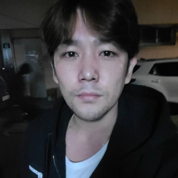 Không thể nhận ra nam thần Super Junior 1 thời: Mặt hốc hác, tuột dốc nhan sắc sau khi rời nhóm vì chuỗi bê bối - Ảnh 2.