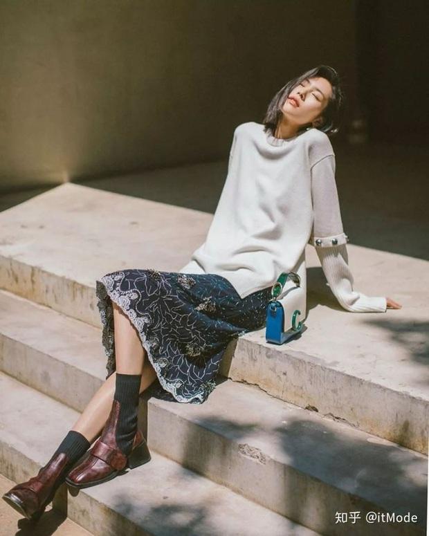 3 kiểu boots được những nàng sành điệu chăm diện nhất mùa lạnh, nàng công sở còn chờ gì mà không sắm - Ảnh 1.