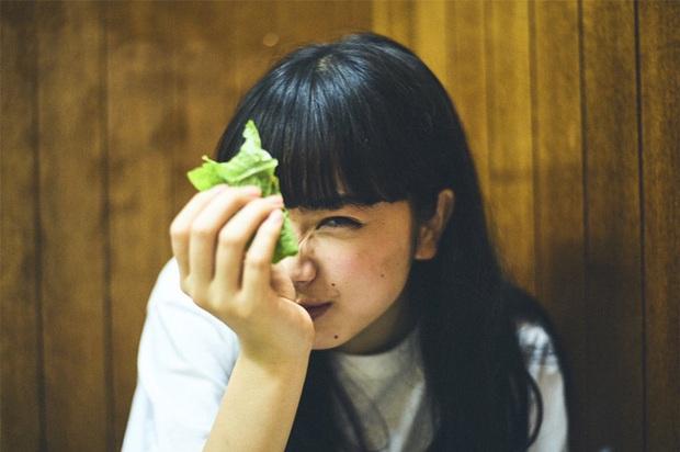 4 loại rau quả chất đống nhiều ký sinh trùng, thà nhịn chứ đừng ăn chúng khi chưa được rửa sạch - Ảnh 1.