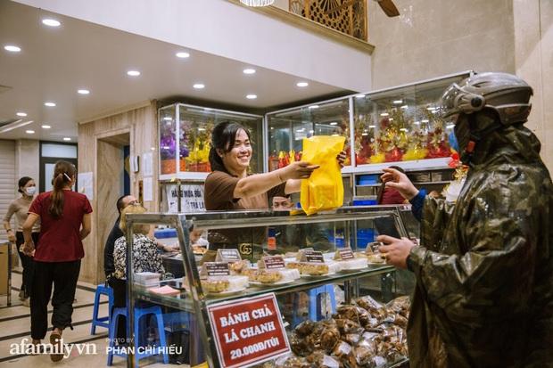 Nhiều người hay thắc mắc Hết Trung thu thì Bảo Phương bán gì?, lời giải đáp từ truyền nhân đời thứ 3 của tiệm bánh trứ danh phố Thụy Khuê khiến ai nấy đều thêm ngưỡng mộ - Ảnh 5.