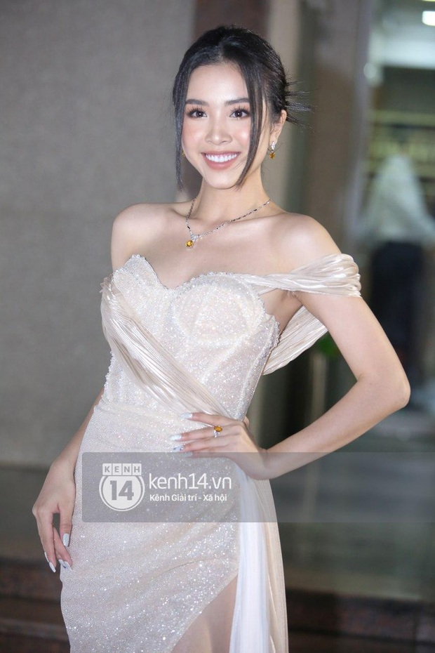 Thảm đỏ Bán kết Hoa hậu Việt Nam 2020: Tiểu Vy và Á hậu rapper bức tử vòng 1, Bình An - Phương Nga tình tứ bên dàn sao phủ hồng sự kiện - Ảnh 16.