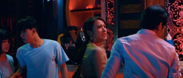 Chồng Người Ta tung trailer cảnh nóng đam mỹ siêu bạo, hai trai đẹp cạo gió cho nhau lộ cả vòng ba - Ảnh 8.