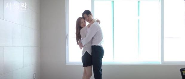 Seohyun và Go Kyung Pyo thoát y ở hậu trường Đời Tư: Mắt đờ đẫn, tay chân lóng ngóng nên bị cắt sạch cảnh này là phải! - Ảnh 3.