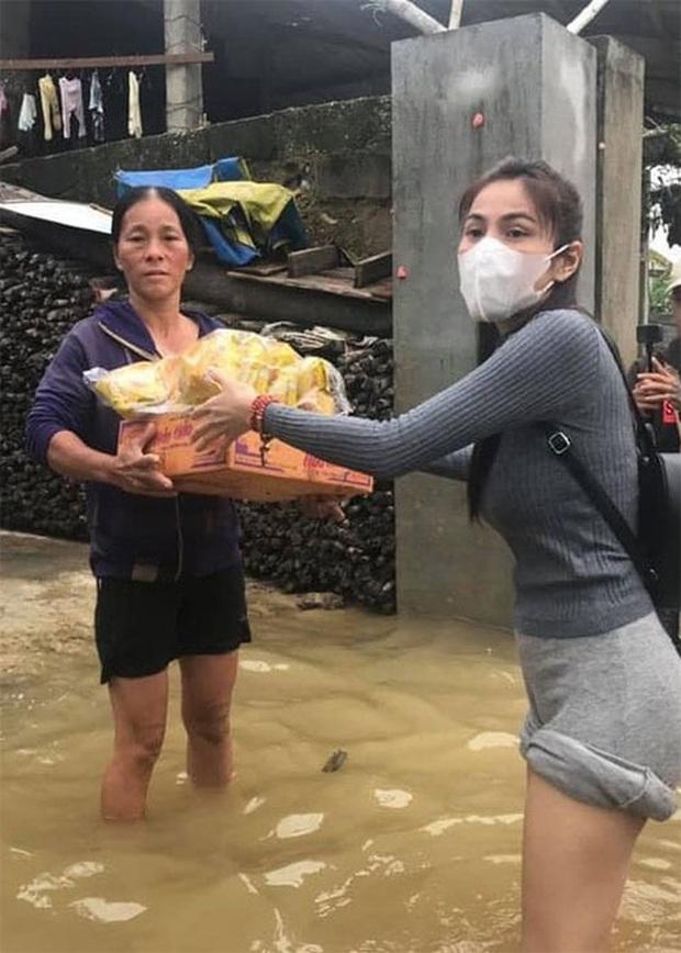 Thuỷ Tiên lên tiếng khi Trấn Thành, Trường Giang và Ngọc Trinh bị netizen kéo vào so sánh chuyện cứu trợ miền Trung - Ảnh 2.