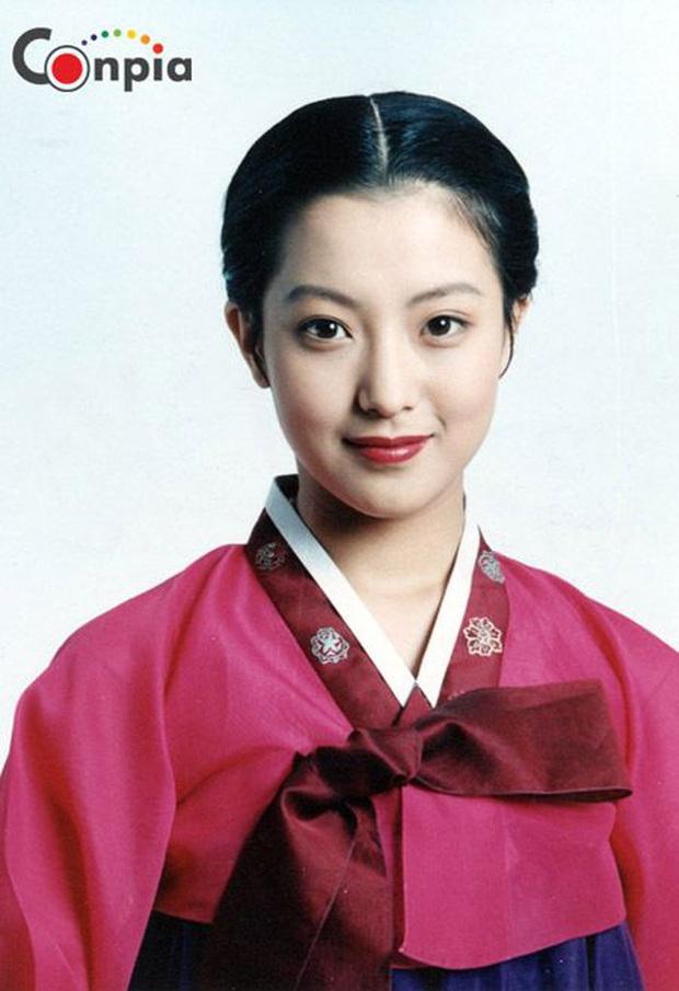 Bác sĩ thẩm mỹ chọn ra mỹ nhân Hàn đẹp nhất thập niên 1990: Jeon Ji Hyun huyền thoại nhưng vẫn thua đẹp vì Lee Young Ae! - Ảnh 16.