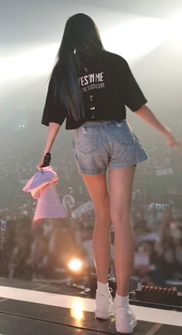 Team qua đường bóc đôi chân dài nhất Kpop: Đã vượt mặt thánh body Lisa (BLACKPINK) lại còn xinh như búp bê! - Ảnh 7.