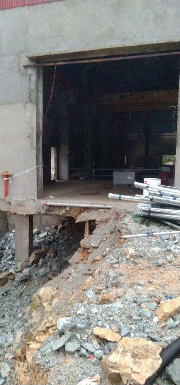 Ảnh: Cận cảnh bên trong khu vực nhà điều hành thủy điện Rào Trăng 3 bị lũ quét vùi lấp - Ảnh 7.