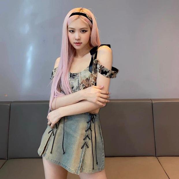 Rosé mặc outfit nổi nhất nhóm, nhận đãi ngộ đặc biệt giống Jennie năm xưa cho thấy dấu hiệu sắp solo rồi? - Ảnh 10.