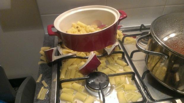Những khoảnh khắc chứng minh chỉ đam mê nấu nướng thôi vẫn chưa đủ, bạn phải cần tay nghề cao và một chút may mắn nữa! - Ảnh 15.