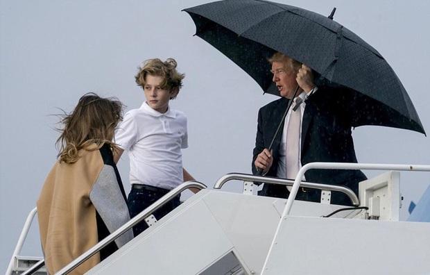 """Thích một mình, chuộng mặc vest từ nhỏ và loạt fact ít ai biết về """"Hoàng tử Nhà Trắng"""" Barron Trump - Cậu bé được cả thế giới săn đón - Ảnh 7."""