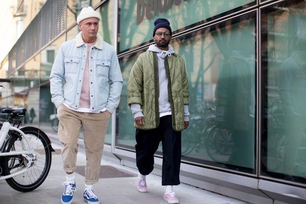 Từ chân của những gã skater đường phố cho đến kệ giày của BLACKPINK, tại sao giới thời trang lại trở nên điên đảo với Vans Old Skool? - Ảnh 2.