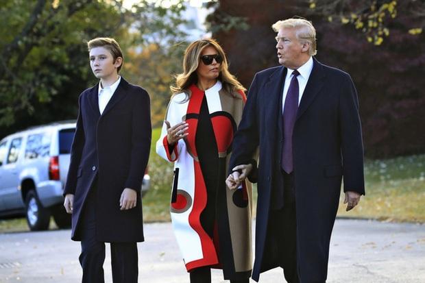 """Thích một mình, chuộng mặc vest từ nhỏ và loạt fact ít ai biết về """"Hoàng tử Nhà Trắng"""" Barron Trump - Cậu bé được cả thế giới săn đón - Ảnh 8."""