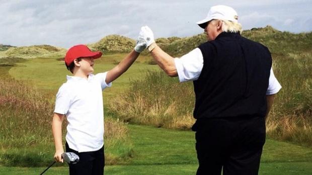 """Thích một mình, chuộng mặc vest từ nhỏ và loạt fact ít ai biết về """"Hoàng tử Nhà Trắng"""" Barron Trump - Cậu bé được cả thế giới săn đón - Ảnh 6."""