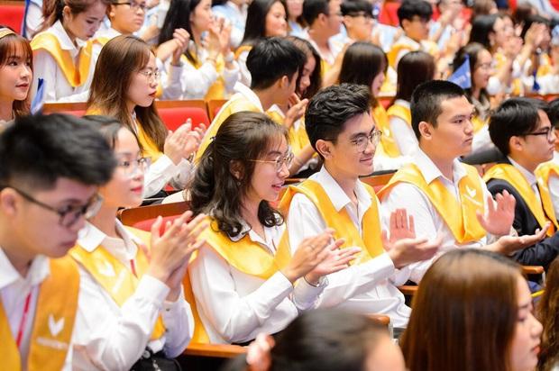 VinUni chính thức khai giảng năm học đầu tiên, 260 tân sinh viên khoá I đều sở hữu thành tích khủng - Ảnh 6.