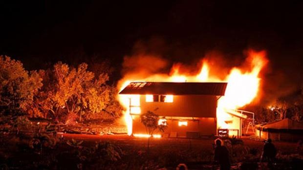 Quảng Ninh: Giận chồng, vợ dùng xăng đốt nhà để chết chung với chồng - Ảnh 1.