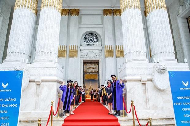 VinUni chính thức khai giảng năm học đầu tiên, 260 tân sinh viên khoá I đều sở hữu thành tích khủng - Ảnh 1.