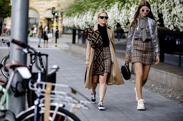 Từ chân của những gã skater đường phố cho đến kệ giày của BLACKPINK, tại sao giới thời trang lại trở nên điên đảo với Vans Old Skool? - Ảnh 5.