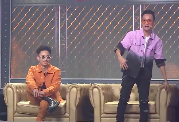 Rap Việt: Tez khiến JustaTee tí thì đâm đầu xuống đất, Karik cạn lời vì cú twist cực đỉnh của học trò cũ - Ảnh 8.