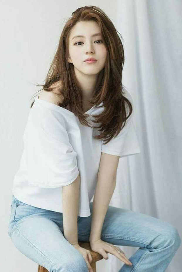 Soi nhược điểm mặt lệch, mũi ngắn của tiểu tam hot nhất xứ Hàn: Lý do cô luôn để một kiểu tóc nhất định là đây - Ảnh 2.