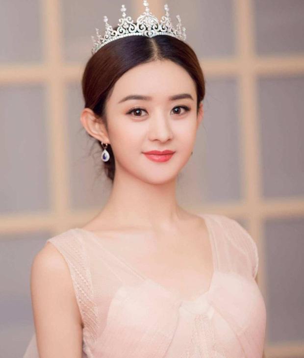 1001 drama Kim Ưng 2020: Nữ thần gian lận, váy đạo nhái, Lý Tiểu Lộ bị phong sát trên sóng truyền hình vì ngoại tình - Ảnh 5.