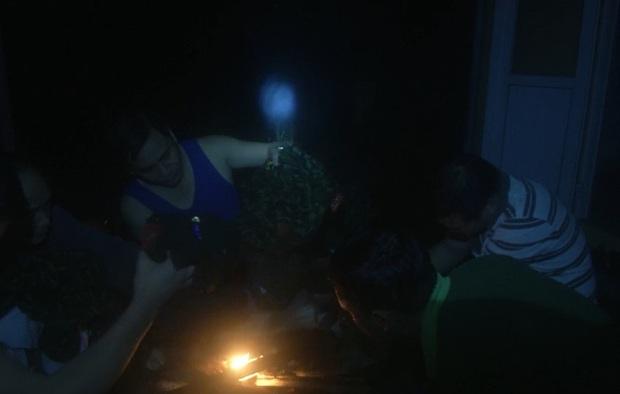 Xúc động những hình ảnh cuối cùng của 13 chiến sĩ hy sinh tại Tiểu khu 67: Cùng quây quần bên bếp lửa để hong khô áo, sưởi ấm và bàn bạc công việc - Ảnh 3.