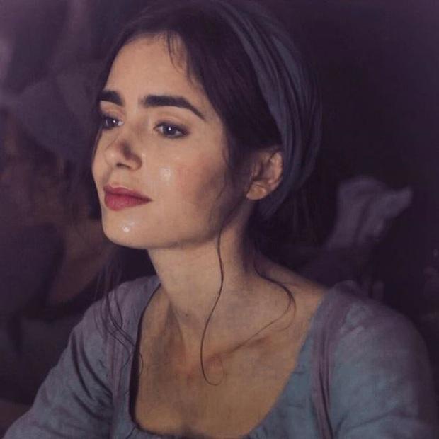 Nhan sắc vô thực của Lily Collins (Emily in Paris): Từ Bạch Tuyết e ấp đến nàng thơ chanh sả ở Paris, chị đẹp chị cân tất! - Ảnh 16.