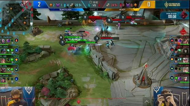 Từng hỗ trợ đối thủ train team, HEAVY vừa xuống hạng đã bị Team Flash châm biếm cực sâu cay - Ảnh 2.