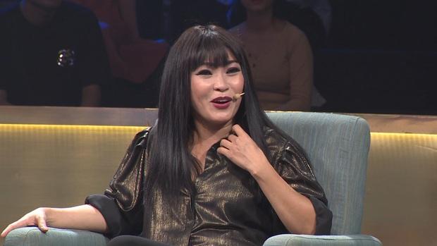 Phương Thanh được phong là ca sĩ bạo lực nhất trên sân khấu - Ảnh 1.
