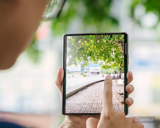 3 lý do tại sao Galaxy Z Fold2 là thiết bị tuyệt vời cho người trẻ mới đi làm - Ảnh 4.